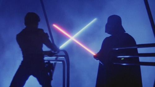 George Lucas révèle la genèse des sabres laser de Star Wars
