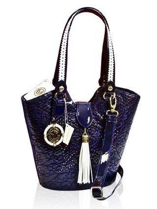 Valentino Orlandi Designer Embroidered Navy/White Leather Bucket Bag | Le Marche & Fashion | Scoop.it