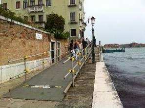 Venezia e turismo accessibile, rampe sui ponti fino al 10 marzo | Disabili. «La felicità è in quello che si ha» | Scoop.it