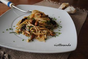 Ricettosando - ricette di cucina e chiacchiere: Pasta integrale con funghi e pinoli al cartoccio | Ricettosando | Scoop.it
