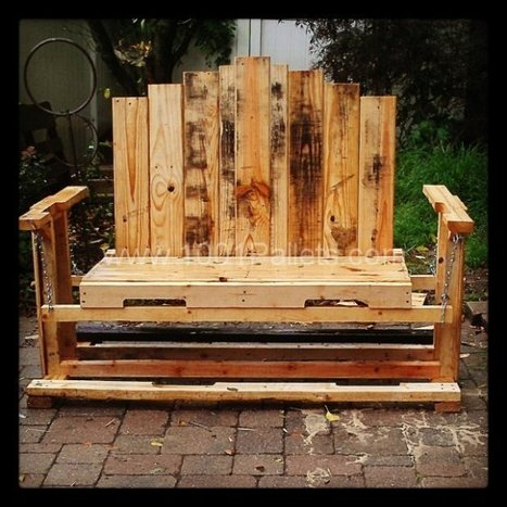 Swinging bench from pallet wood | 1001 Pallets | DIY | Scoop.it