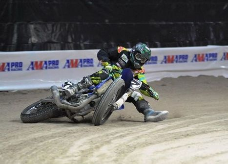 Cycle News Facebook-Pinnwand: Former AMA Superbike standout Blake Young proves that road racers can have fun in the dirt too. As this Larry Lawrence photo from tonight's Superprestigio of the Ameri... | California Flat Track Association (CFTA) | Scoop.it