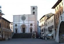 Umbria nuova Eldorado per Uk e Usa, boom di compravendite grazie all'Euro debole: «Qui la vera Italia» | Todi&Umbria | Scoop.it