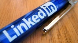 The Right Way to Use LinkedIn in Your Social Media Strategy | Social Media Strategy | Scoop.it