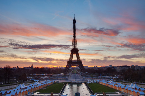 PHOTOS: The Eiffel Tower's Many Moods | Eco Living, Marketing, News | Scoop.it