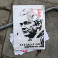 "WikiLeaks, Michael Moore e Oliver Stone difendono Assange | L'impresa ""mobile"" | Scoop.it"