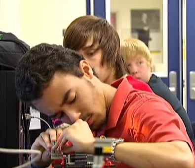 High-Tech Classroom Prepares Students for Careers | Curious Minds | Scoop.it