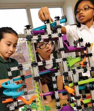 Robotics Projects Encourage Girls to Engage in STEM | Tech Learning | Higher Education and more... | Scoop.it