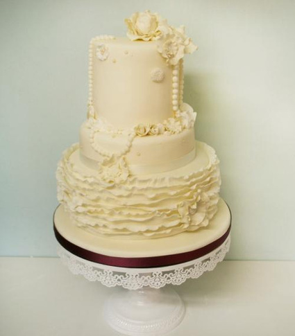 Cool Contemporary Cakes for Every Celebration | Go-Electrical Blog | Baking | Scoop.it
