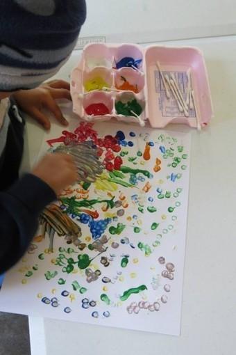 Gathering up simple materials for creative art | Teach Preschool | Teach Preschool | Scoop.it