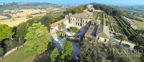 Best Le Marche Properties for Sale: Historic Villa, Macerata Province | Le Marche Properties and Accommodation | Scoop.it