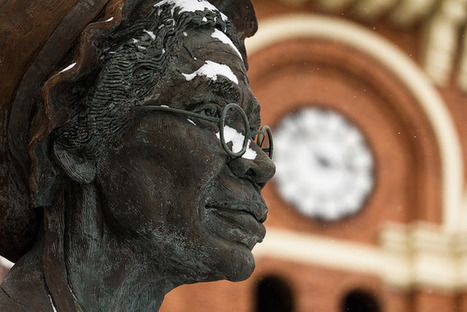 She's as cold as ice - statue of Sojourner Truth | Flickr - Photo Sharing! | women statues | Scoop.it