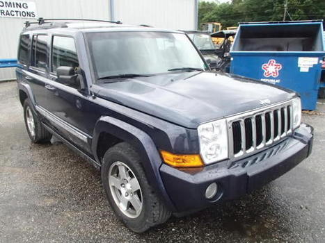 Salvage 2010 blue Jeep Commander with VIN 1J4RG4GK4AC130066 on auction   cars   Scoop.it