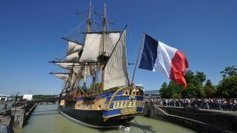 Lever de voile sur l'Hermione devant des milliers de personnes - France 3 Poitou-Charentes   Le Voyage de l'Hermione   Scoop.it