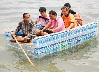 Plastic bottles Boat | Travels | Scoop.it