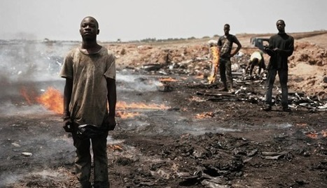 Stunning Photos Capture Devastating Worldwide E-Waste Problem » EcoWatch | Greening the Media Ecosystem | Scoop.it
