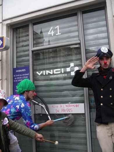 VINCI visé à Toulouse en soutien à la lutte contre l'aéroport de Notre-Dame-Des-Landes - IMC Nantes | # Uzac chien  indigné | Scoop.it