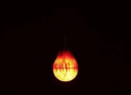 Ryosuke Fukusada Makes a Surprising Light Bulb From Wood   L'Etablisienne, un atelier pour créer, fabriquer, rénover, personnaliser...   Scoop.it