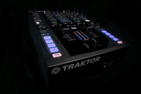 REVIEW: Native Instruments Traktor Kontrol Z2 Part 1 - DJWORX | DJing | Scoop.it