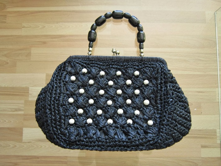 Show and Tell: Vintage Purse and Clutch Collection Part 5 | Antiques & Vintage Collectibles | Scoop.it