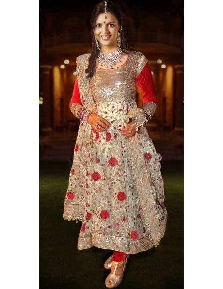 Anarkali suits for a sleek and glossy look | bharatplaza fashion gallery | Scoop.it