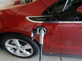 Europe Bets Big On Electric Cars, Plans 500K Charging Stations By ... - Green Car Reports | digital media, cars | Scoop.it