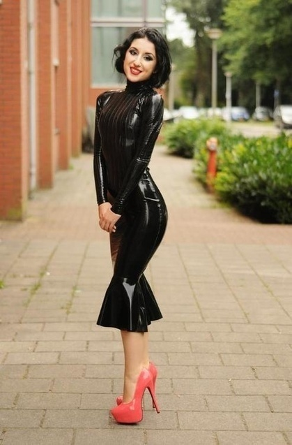 Latex | The Beautiful Marilyn Yusuf (latex in public) | Scoop.it