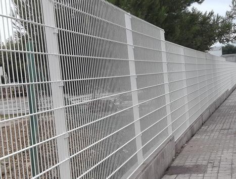 Cerramientos y vallados para deportes el futbo - Vallas y cerramientos ...