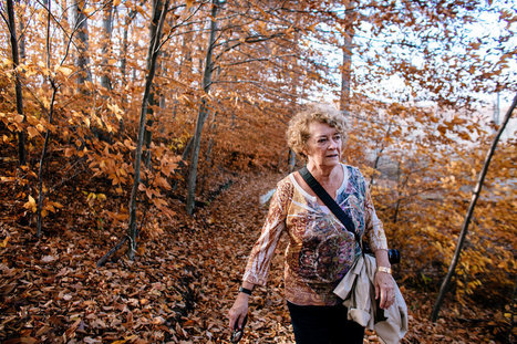 Fraying at the Edges: Her Fight to Live With Alzheimer's   Creatively Aging   Scoop.it