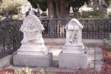 Quiet Beauty of the Dead | Vampire Maman | Memorial, Monument and Mausoleum Designers | Scoop.it