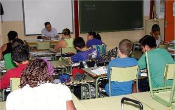 Educació suprimeix les ajudes per a la compra de llibres de text - Diari de Girona | GITIC i educació | Scoop.it