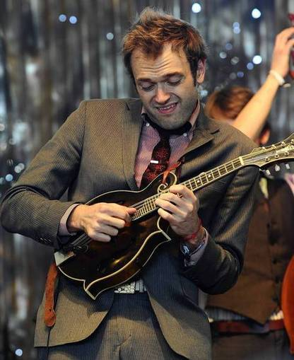Chris Thile, Noam Pikelny explore music history   The Basics to Bluegrass   Scoop.it