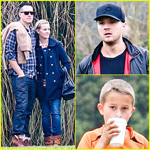 Reese Witherspoon & Jim Toth: Deacon's Soccer Game with Ryan ... | amazing soccer players | Scoop.it
