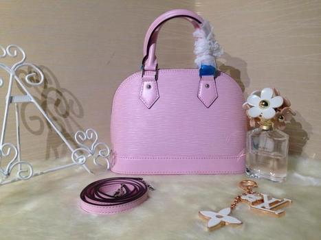 Louis Vuitton Material: Imported Water Ripples Original Leather / Microfiber Inside Features: Hand Carry / Shoulder / Messenger Size: 25 * 19 * 12m Type: M40628c Color: Barbie Pink | Designer Bags | Scoop.it