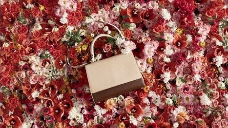 Que bonitos son las … ..rosas :) So nice…. flowers :D Max Mara presents the SS 14 JBag Collection – Timeless is Now – YouTube « Artesaniaflorae | artesaniaflorae | Scoop.it