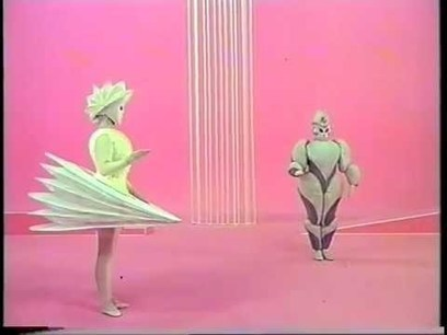 Das Triadische Ballet. Best Quality! - YouTube | istorijski i scenski kostim | Scoop.it