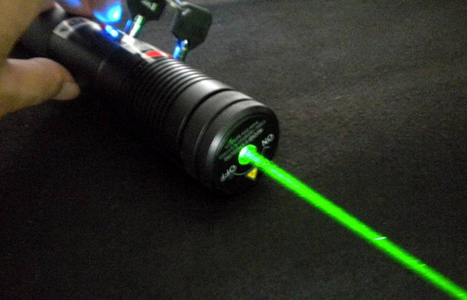 fuoco regolabile 500mw puntatore laser verde è la scelta migliore per balloon pop | puntatore laser verde | Scoop.it