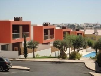ALGARVE - Albufeira - Appartament 2+1 chambres en vente dans le centre historique d'Albufeira, à peine 5 minutes à pied des plages. - Agence immobilière internationale Lyon real estate | Immobilier Portugal | Scoop.it
