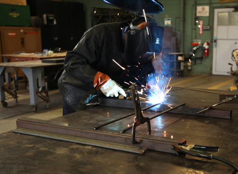Accepting Alternatives: Career and Technical Education Should Be Embraced - Harvard Political Review | STEM Connections | Scoop.it