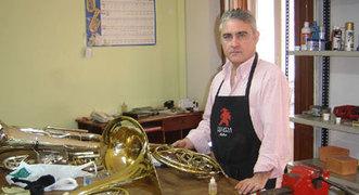 Reparaciones: Viento metal - Tino Ibáñez - principal - Rivera Música | El mundo de la reparación de los instrumentos musicales de viento en Valencia | Scoop.it