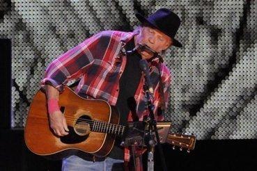 Neil Young en concert pour défendre les autochtones | Musique | chticountry | Scoop.it