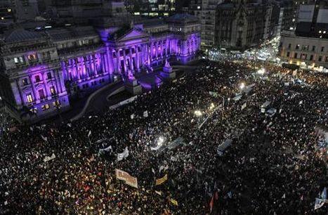 Un multitud grita #NiUnaMenos en Argentina contra la violencia machista | Genera Igualdad | Scoop.it
