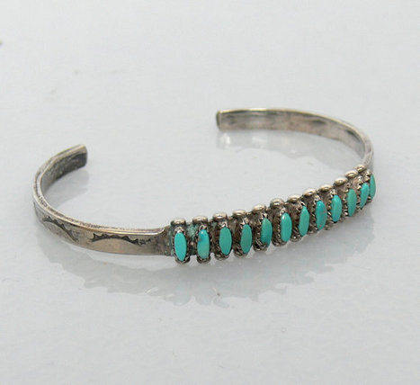 Vintage Zuni Sterling Silver & Turquiose Bracelet H LonJose | I have one of those bracelets and I'm trying to find out the value | Scoop.it