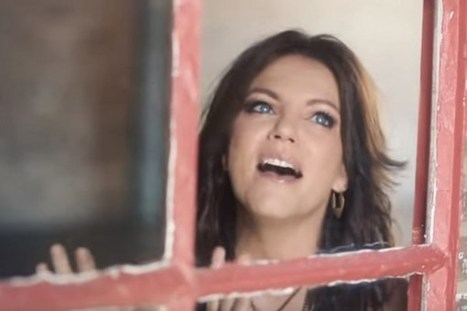 Martina McBride Releases Video for 'Just Around the Corner' | ☊ ☊ Harmony60 Music ☊ ☊ | Scoop.it