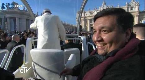 Sem delongas, Papa Francisco dá carona a um padre argentino no seu papamóvel - Blue Bus | papa francisco | Scoop.it