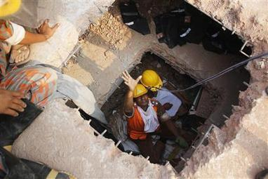 Many trapped in Bangladesh building as toll climbs to 175   Occupational Safety and Health   Scoop.it