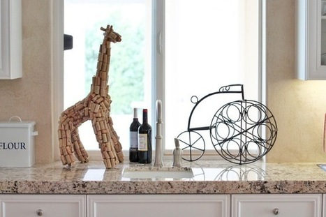 Wine decoration: 3 unique ways to reuse your empty wine bottles - Wiine Me | We love wine | Scoop.it