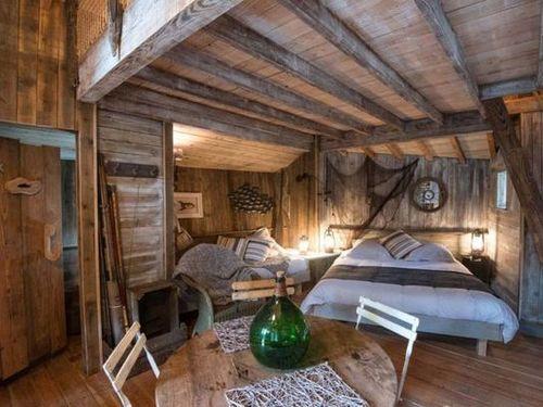 Un village de cabanes en bois dans la forêt vosgienne  L  ~ Cabane Canadienne En Bois