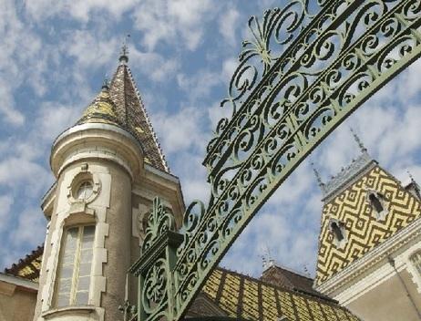 Burgundy Chateau de Corton Andre sold to La Lagune owner | Vitabella Wine Daily Gossip | Scoop.it