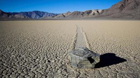 Mystery of Death Valley's 'Sailing' Stones Solved | social geography | Scoop.it